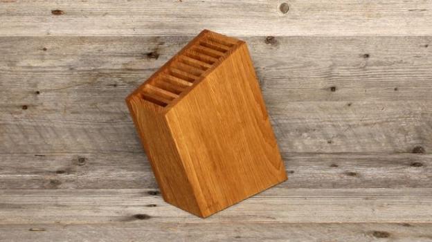 messerblock sknife schr g aus schweizer holz grillcenter d rren sch der grilfachladen. Black Bedroom Furniture Sets. Home Design Ideas